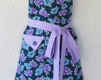 Purple Floral Apron, Blue Roses, Lavender Roses, Cottage Chic, Vintage Style, Cottage Rose, KitschNStyle