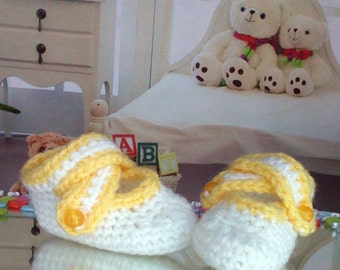 Baby Shower Gift Newborn baby booties, knitted baby booties, baby shoes, handmade, hand knitted baby booties in white and yellow color
