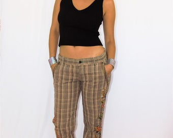 GROOVY Plaid Flower Embroidered Trousers / Slacks 1970s baby!!
