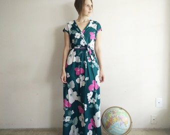 Vintage 1970s Evergreen Floral Maxi Dress/70s Dress/Small Medium