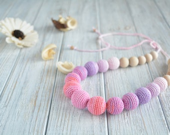 Crochet nursing necklace - Natural teething necklace for breastfeeding & babywearing moms