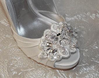 wedding shoe clips, bridal shoe clips, lace shoe clips, flower shoe clips, white shoe clips