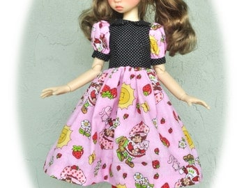 Strawberry Shortcake *Dress* for Kaye Wiggs JPopDoll, MSD BJD dolls. Includes hair bow. BJD doll/model *not* included.