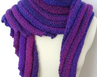 Dalgali hand knitted scarf