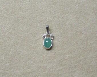 Delicate Aventurine STERLING silver pendant.