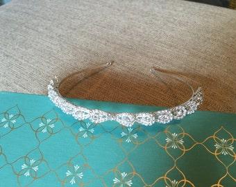 Vintage Style Rhinestone Tiara.Rhinestone Headband.Bridal Headpiece.Wedding Hair Piece.Crown.Teardrop Rhinestone.Classic Style.Flower Girl
