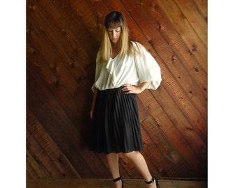 Pleated Cream and Black Secretary Dress - Vintage 80s - L/XL