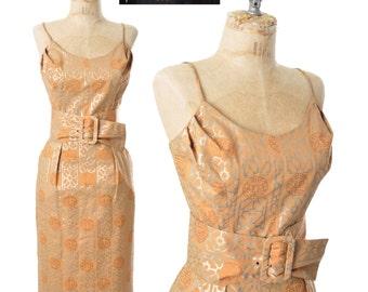 """50s dress / Alfred Shaheen dress / hourglass dress / 1950s dress .. 26"""" waist / small"""