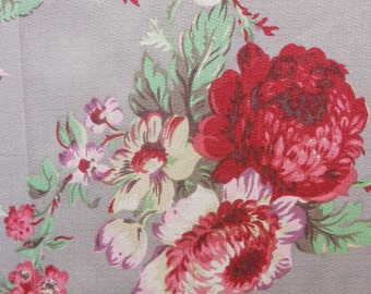 80s Golding Fabric//Shabby Chic//Scarlet/Fuschia, Violet/Purple Roses and Tulips// Cotton Barkcloth//Spring Green Leaves on Med Taupe Ground