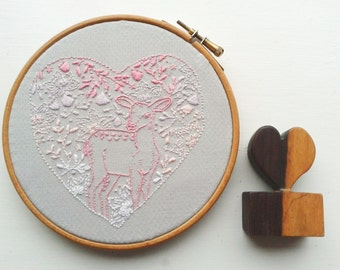 Love me Doe embroidery pattern Pdf. Love heart and deer design.Valentines. Wedding. DIY wall art. Printable pattern. DIY craft. Pink ombre