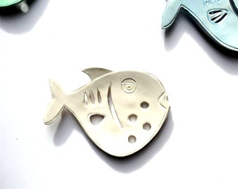 White fish Ceramic Soap Dish - Fish Soap Dish for Beach Bath - Fish Bath Soap Dish - Primitive Soap Dish -  Ocean Soap Dish - Fish Decor