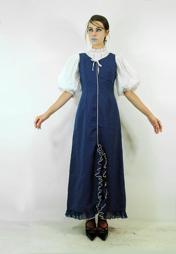 Dress 1940s Vintage World War II Pin Dot w Lettuce RUFFLED front slit // Vintage dresses TatiTati Style on Etsy