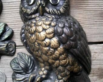 Vintage Google Eyed Owls Wall Decor - Funky Kitsch Pair of Hoot Owls - 3-D Retro Wall Plaque Big Eyes Birds