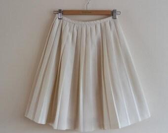 Vintage 1960's Cream Pleated Skirt