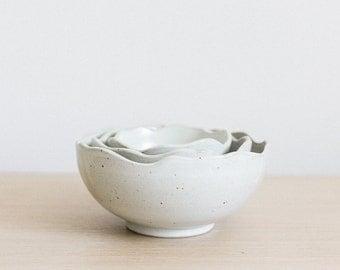 White Organic Rim Ceramic Nesting Bowls (Set of 3)