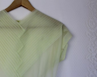 50s Sheer Yellow Blouse // Vintage Pleated Pleats Front Short Sleeve Shirt // Size: S/M