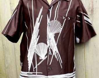 1970s Hawaiian Shirt / Malihini HAWAII / Mens Medium / Seashells