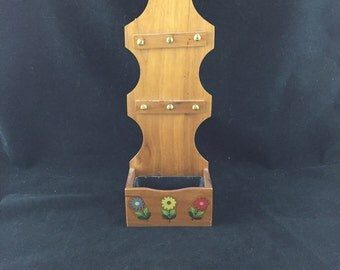 Vintage Wood Wall Mount 6 Key Organizer and Planter