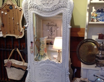 French Style Curio Cabinet