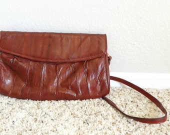 1980s purse, clutch eel skin, burgundy, oxblood, brick red, 80s bag, thin strap, removable strap
