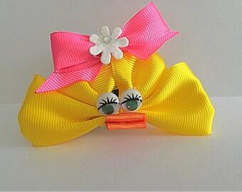 Duck face hair bow
