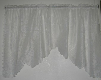 Vintage Shabby Chic White Lace Valance/Cabbage Roses