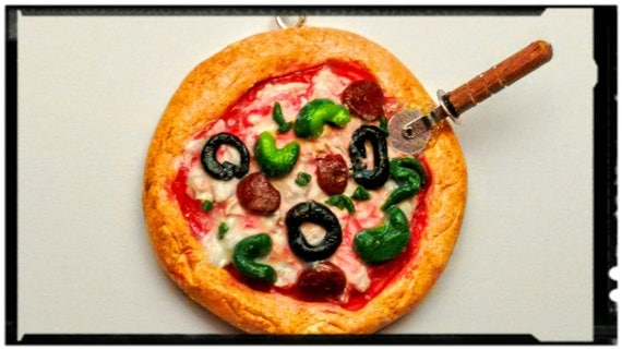 Pizza Pie Necklace - Miniature Food Jewelry, Statement Necklace, Kawaii Pizza - Inedible Jewelry, Realistic Pizza, Pizza Pendant, Clay Pizza