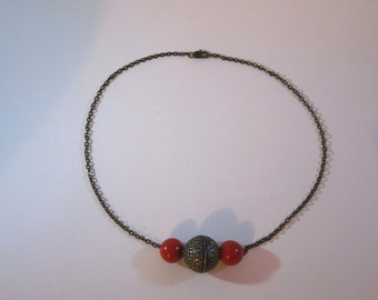Procyon - Bronze and red short necklace