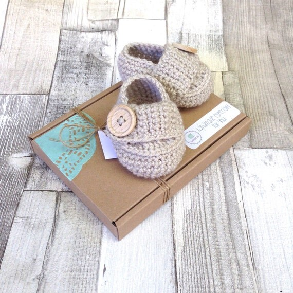 Baby loafers, crocheted boots gender neutral booties photo prop baby shower newborn 0-3 3-6 stone beige boots baby shoes gift present