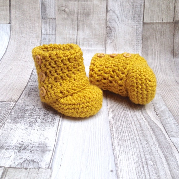 Unisex booties, Ugg boots, Baby shoes, yellow shoes,Baby shower,New born, mustard baby accessories,Crocheted booties,Crochet boots,mustard