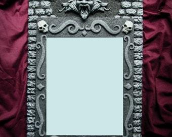 Dracula's Mirror