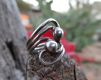 ON SALE Vintage Sterling Silver Ball and Swirl Ring Taxco Size 7