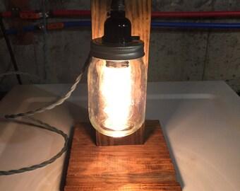 Vintage looking nightstand lamp