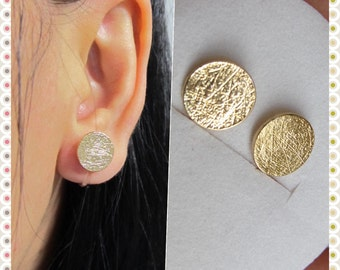 Large Round Disc Circle Stud Clip On Earrings, C36s Non pierced earrings Gold plate Brushed Faux Gauge earring, magnetic earring alternative