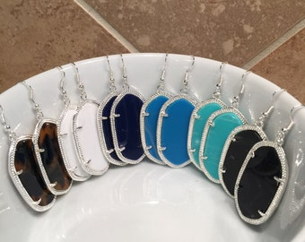 Sale!! MUST HAVE Silver Drop Earring