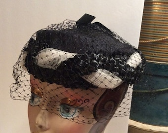50% Off Sale Vintage Raffia Linen and tulle Black and White Straw Hat
