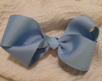 Dainty Boutique Bow