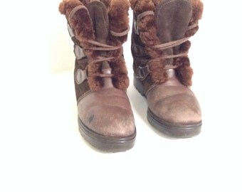 90's Shearling boots. Coffee Brown leather women's size 8 boots