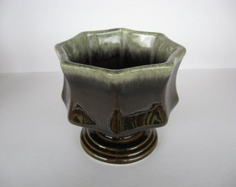 Hull Pottery USA Art Pottery F3 Brown with Green Drip Pedestal Planter