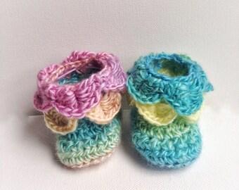 Crocodile Stitch Baby Booties