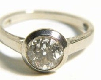 Art deco ring with a big diamond of 1.40 ct., 14K white gold.
