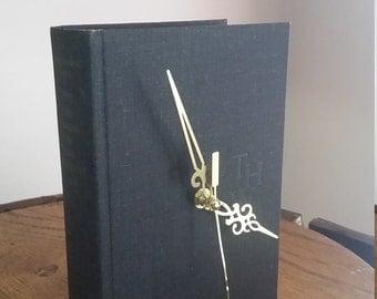 Book Clock -