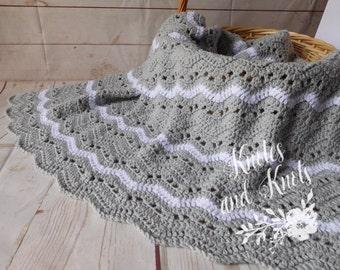 Baby crochet blanket - gray and white baby blanket - gender neutral baby bedding - nursery decor - travel blanket