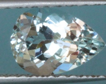 2.1 ct AQUAMARINE - VVS - UNTREATED!  High Luster!