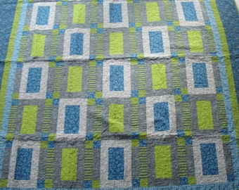 SALE - Bed quilt with pillowcases (2)