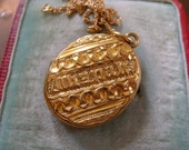STUNNING ANTIQUE VICTORIAN  Gold  Pinchbeck?  Mizpah Locket