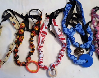Nursing Necklace, Babywearing Necklace, Teething Necklace, Baby Holding Necklace, Nursing Necklace for Mom, Babywearing Necklace for Mom