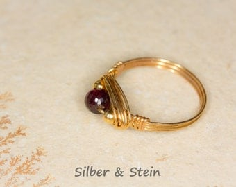 Gemstone Ring Garnet Gold