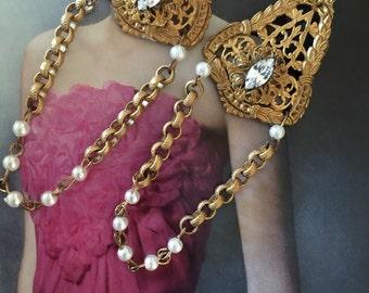 Gold filigree chain earrings