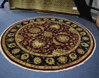 Beautiful Hand knotted Jaipur round rug